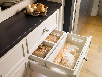 kitchen cabinet pull out ideas - drawer with removeable bread inserts - deulonder via atticmag