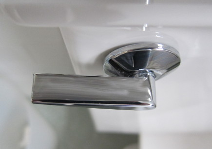 spring cleaning tips - toilet flush handles should be wiped with alcohol to disinfect - atticmag