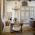 traditional style kitchen banquette sofa with slipcovers - Kevin Harris via Atticmag
