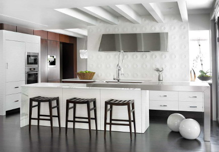 modern kitchen with Andy Blick Discus dimensional tile - HammerSmith via Atticmag