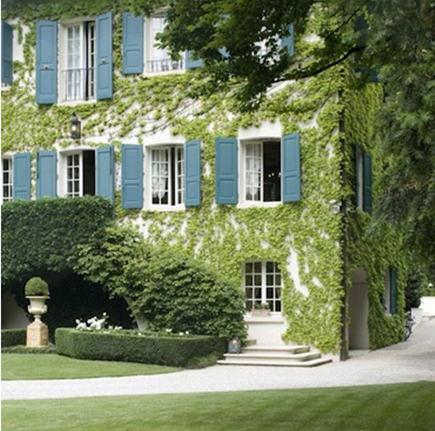 Italian residence in Friuli with sevres blue trim – tempodadelicadeza via Atticmag