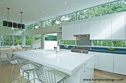 contemporary white conservatory kitchen - hamptondesign via atticmag