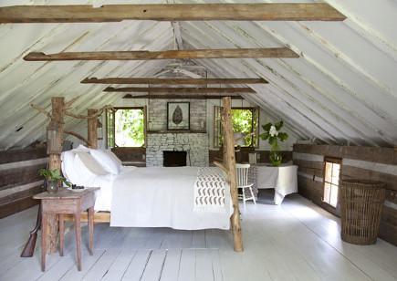 Master bedroom of an antebellum Georgia dogtrot house - gardenandgun via atticmag