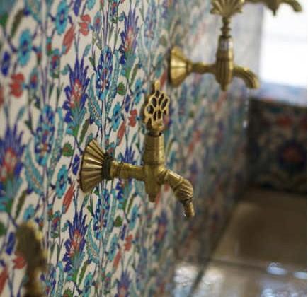 exotic sink faucets - embellished Turkish faucets in an Iznik tile basin - elhieroglyph via atticmag