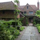 long barn gardens - Historic house in Sevenoaks Weald, Kent - period living via atticmag
