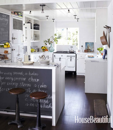 White Cottage Kitchen - Atticmag