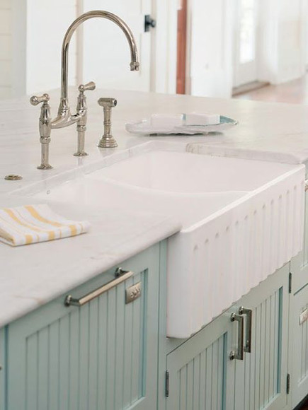 embellished farm sink - fluted front fireclay farm sink - otm1designs via atticmag
