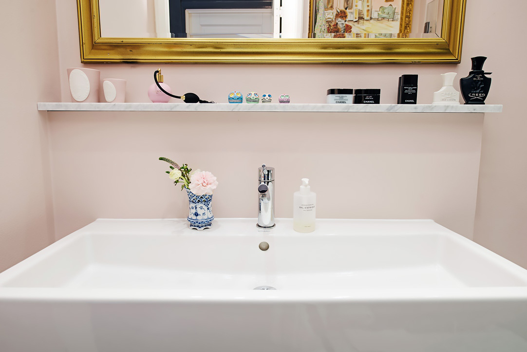 Eccentric And Hip A Modern Pink Bathroom In Sweden Provides Cur Take On 1980s Color But That S Not All