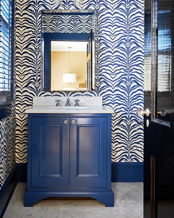 bathroom wallpaper - Rose Cumming Zebrine in blue - Holly Hollingsworth Phillips via Atticmag