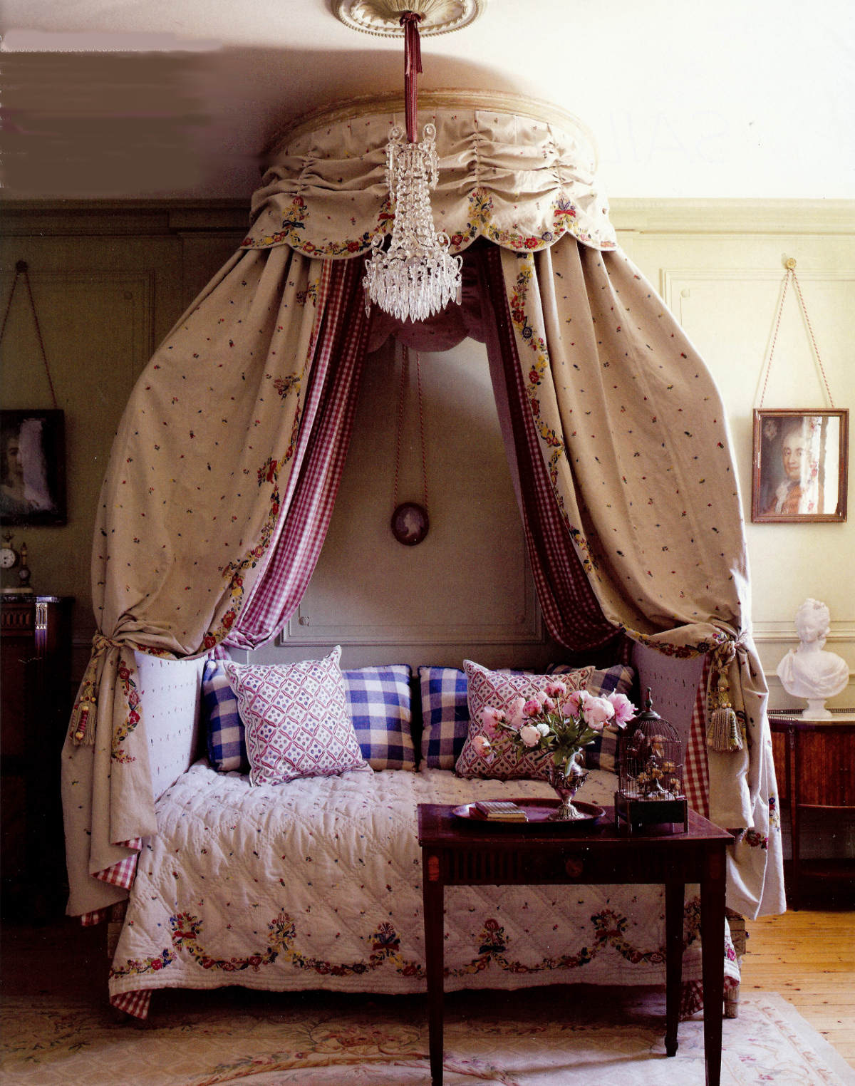 draped canopy beds - Lit a la Polonaise with custom-embroidered linen in the Gustavian style - Elle Decor via Atticmag