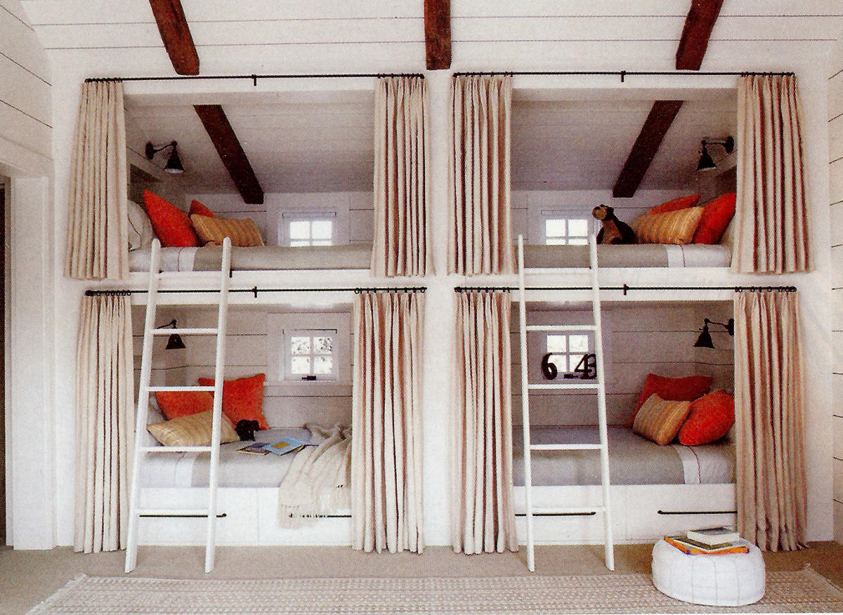 Pullman beds - double tier curtained bunk beds in a children's room - Elle Décor via Atticmag