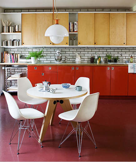 mid century furniture - kitchen with Prouve table and Eames chairs - Domino via Atticmag