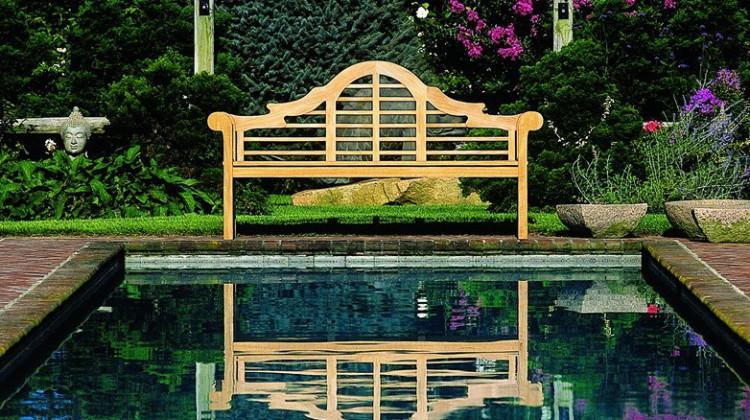 garden bench - Lutyens Thakeham teak bench - Kinglsey Bates via Atticmag