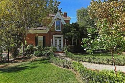 Victorian revival betty crocker estate near San Diego - Willis Allen Real Estate via Atticmag