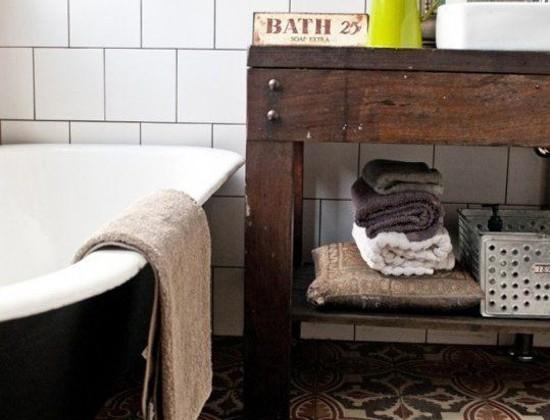 bathroom floor tile - patterned antique Spanish bathroom floor tile in an Australian bath by Etica Design - house-nerd.com