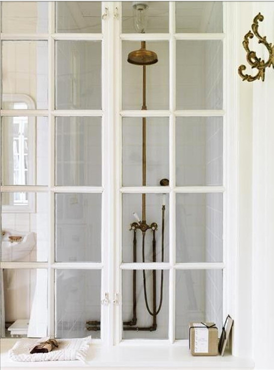 french door shower - French window wall of a Swedish shower - Skonahem via Atticmag
