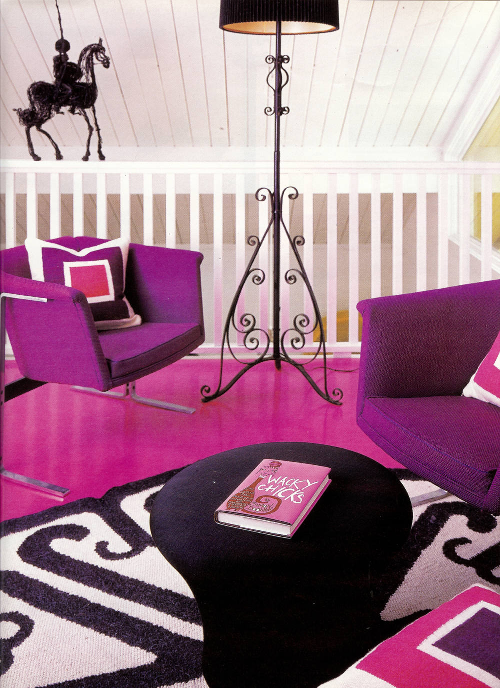 jonathan adler and simon doonan's long island beach house - loft seating area - Hamptons Cottages & Gardens via Atticmag