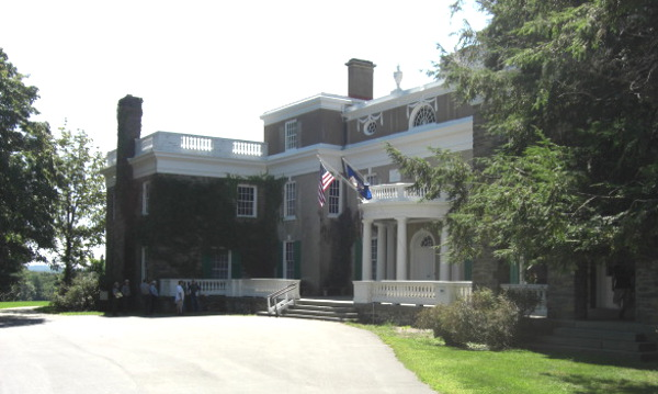 Pres. F.D. Roosevelt's home, Hyde Park, NY - front entrance - Atticmag