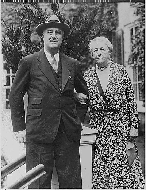 Roosevelt's home - President Franklin Delano Roosevelt and his mother, Sarah Delano Roosevelt, 1933- via Atticmag