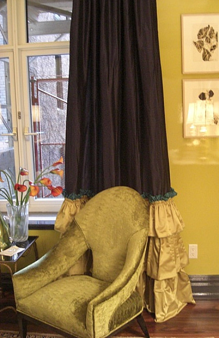inspired design showhouse - three-color drapery with ruffles by Jennifer Flanders - Atticmag