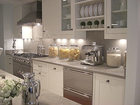 inspired design showhouse - kitchen with La Cornue range with taupe cabinets - Atticmag