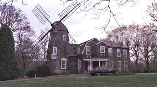"DeRose Windmill Cottage - Exterior photo of the house during the period when the film ""Deathtrap"" was filmed there - log24 via Atticmag"