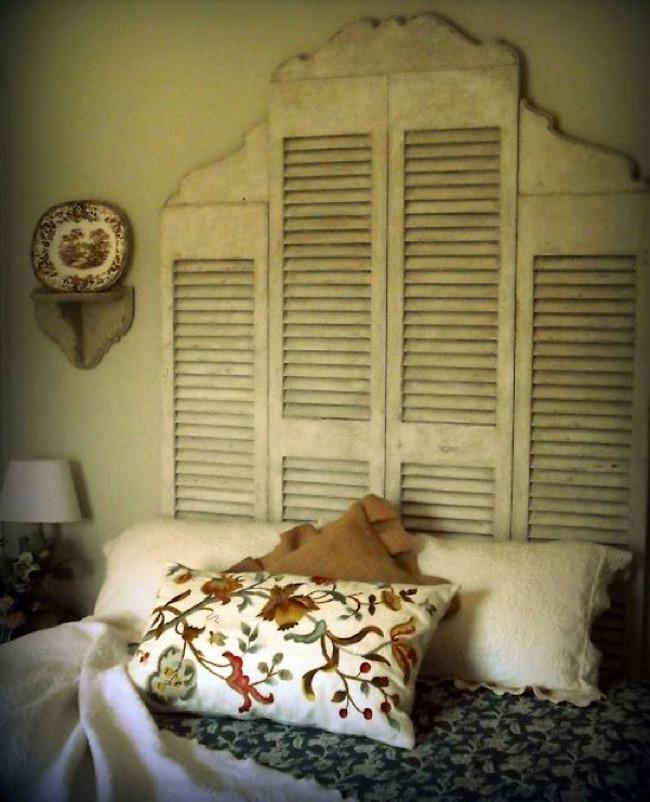 tall headboards - vintage shutters repurposed as a headboard - decormanka via atticmag