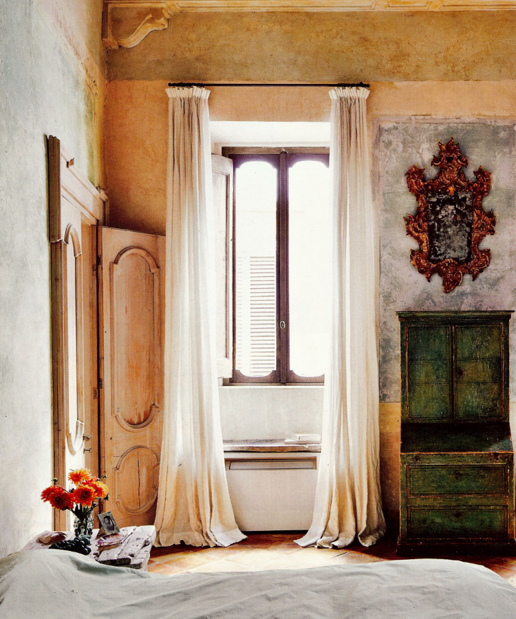 belgian linen draperies - in a Roman palazzo bedroom Axel Vervoordt used linen draperies to frame narrow windows - Architectural Digest via Atticmag