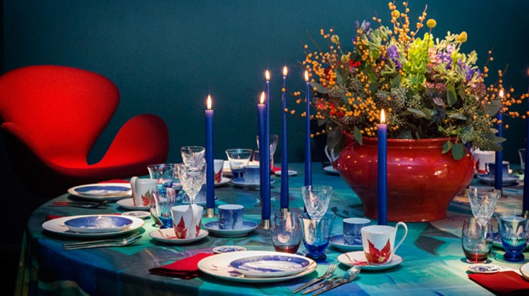 Royal Copenhagen Modern Christmas - Fabric designer Cathrine Raben Davidsen vivid red and blue table - Royal Copenhagen via Atticmag