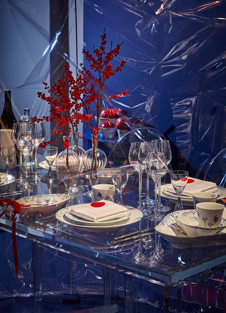Royal Copenhagen 2015 Christmas - Icy blue table with Blue Elements china by actor/director Jarl Friis-Mikkelsen- Royal Copenhagen via Atticmag