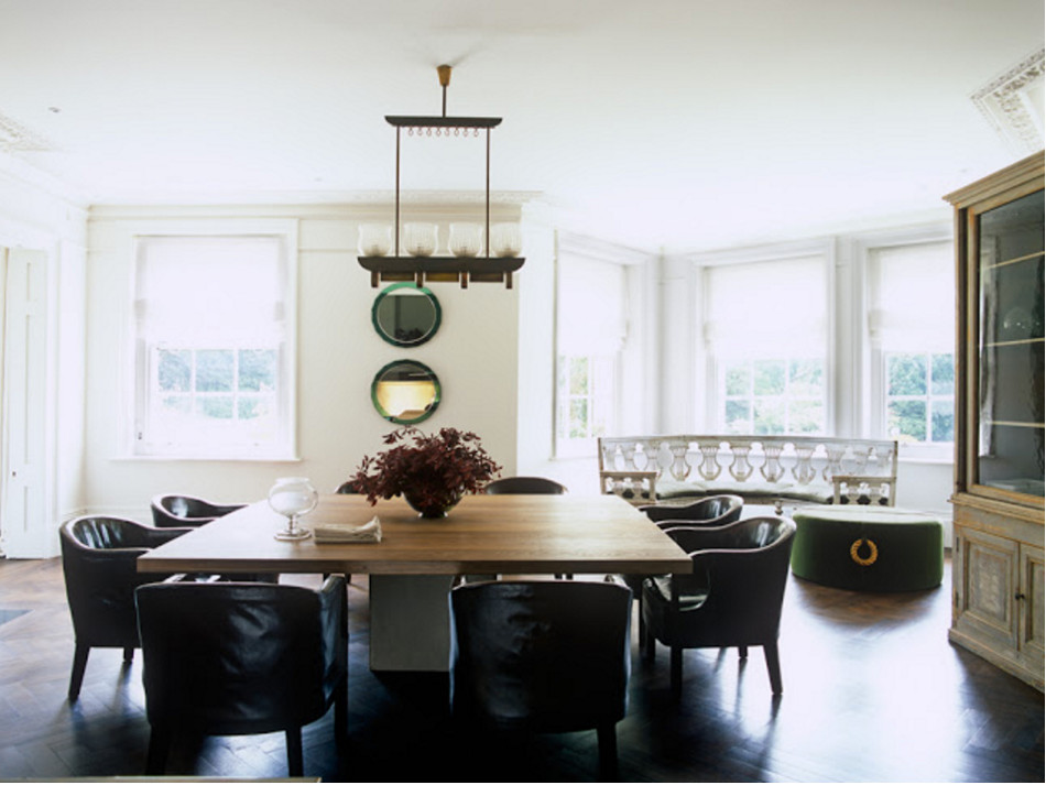 home décor trends - dining room with modern and antique furniture mixed - John Minshaw via Atticmag