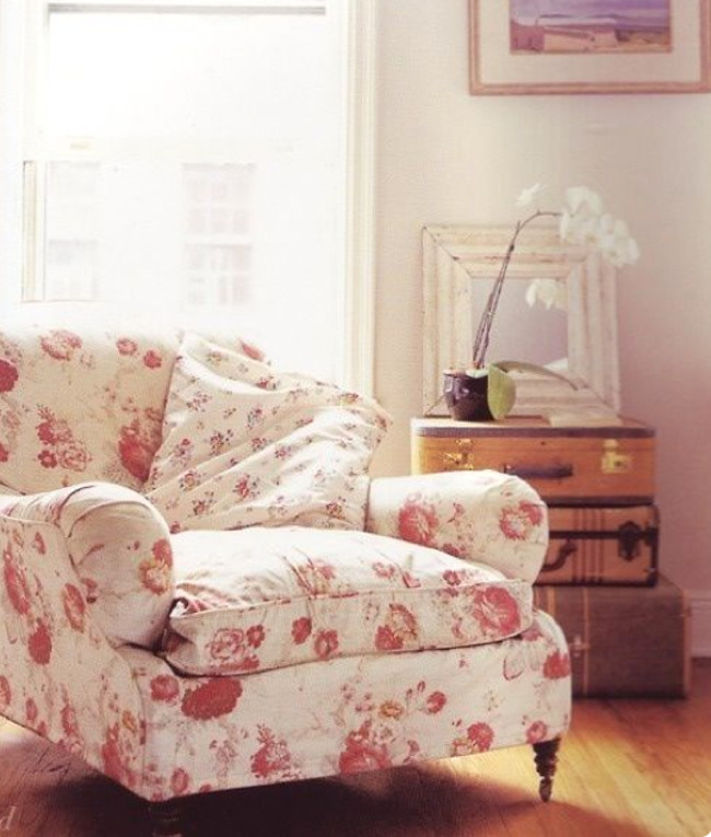 home décor trends - chair upholstered in Waverly's Norfolk Rose chintz - onlinefabricstore.net via Atticmag