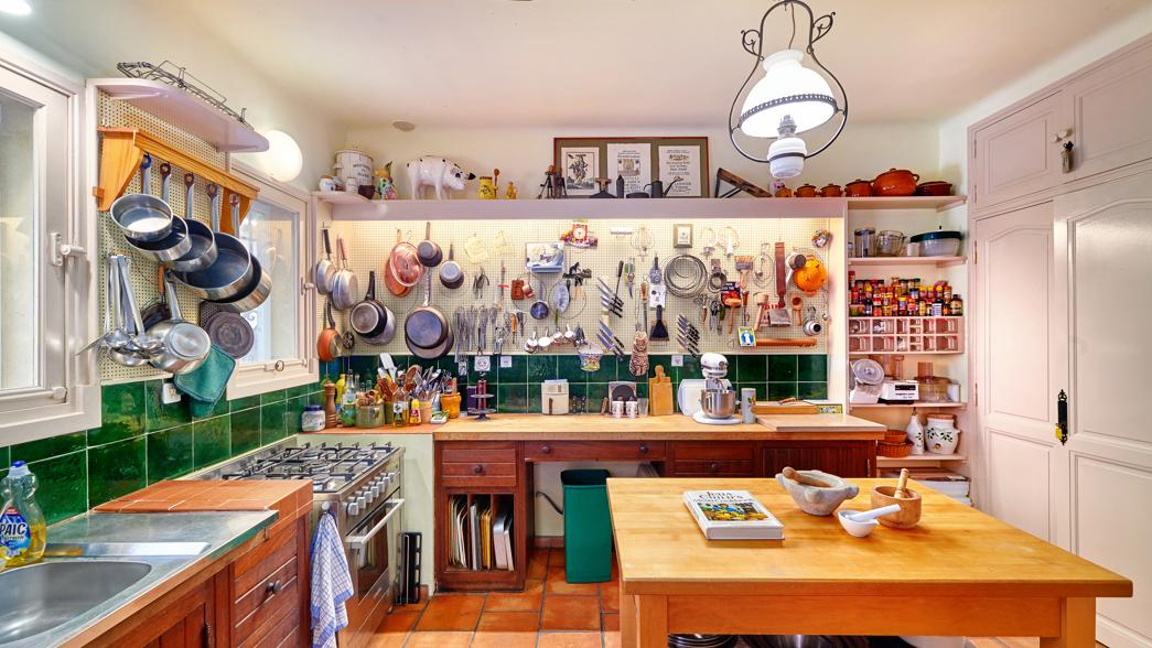Julia Child - kitchen at La Pitchoune, Julia's house in the South of France - New York Times via Atticmag