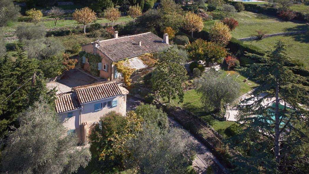 Julia Child - aerial view of Julia Child's house La Pitchoune in the South of France - Sotheby's via Atticmag