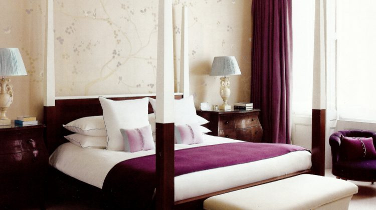 four poster beds - Tops of the bed posts and the head board rail were painted white by designer Stephan Eicker so they would not compete with the Fromental sink wall covering - House & Garden via Atticmag