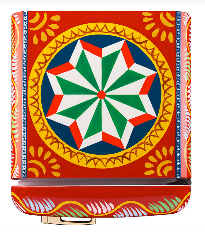 Dolce & Gabbana refrigerators - top panel of the Smeg Fab 28 special edition hand painted refrigerator with Sicilian folklore motifs - Smegusa via Atticmag