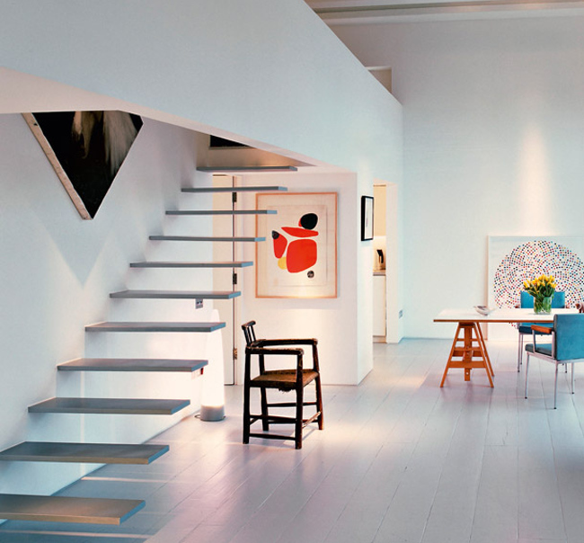 modern staircases - open cantilevered staircase in a London flat by Brian Ma Siy - ad.ru via Atticmag