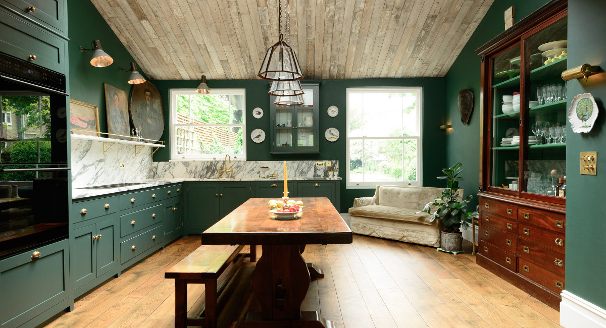 dark green kitchens - DeVol Peckham Rye kitchen in a pine tree hue - DeVol via Atticmag